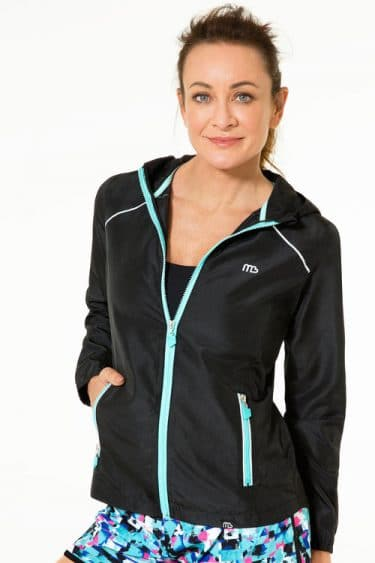 MB_Active_Hooded_Windcheater_Detail_1-1